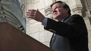 Finance Minister Jim Flaherty speaks to reporters in Ottawa on March 2, 2011.