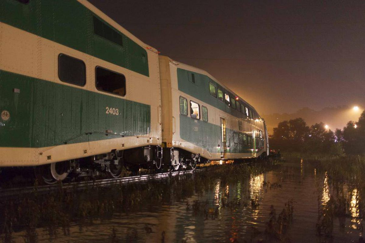 Volkswagen Downtown Toronto >> In photos: Hundreds evacuated from flooded GO train - The ...