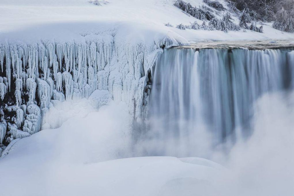 In Pictures Niagara Falls Freezing Over The Globe And Mail