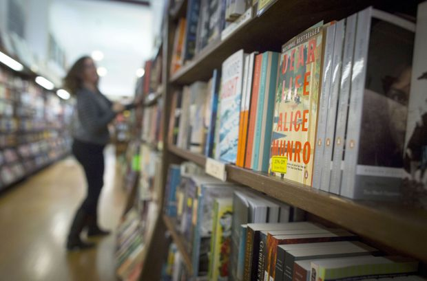 Canadians reading fewer domestic books, report shows