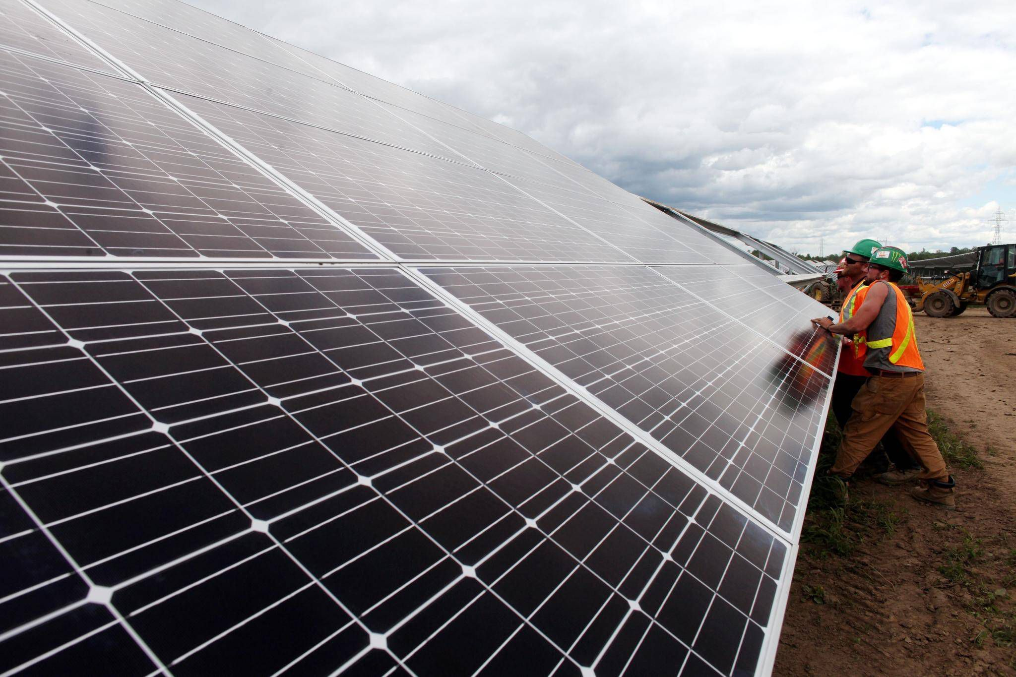 Brookfield in exclusive talks to buy sunedisons terraform power brookfield in exclusive talks to buy sunedisons terraform power global the globe and mail biocorpaavc Choice Image