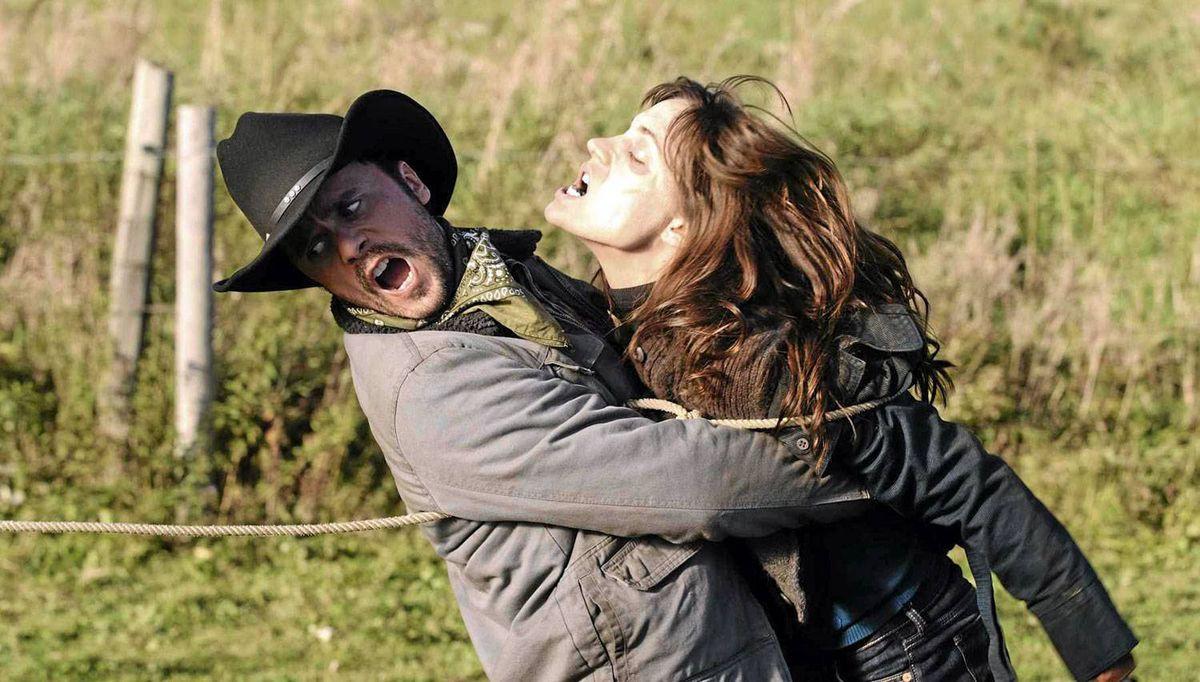 Joris Jarsky and Kathleen Munroe in Survival of the Dead.
