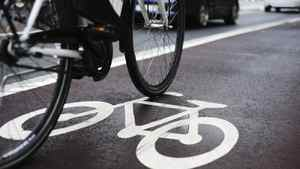 Jared Kolb, of the Toronto Cyclists Union, said measures recommended in a 1998 Toronto report on cycling deaths could have helped prevent Monday's death if they were implemented.