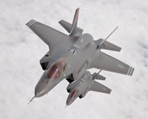 Pentagon official casts more doubt on Harper's dire F-35 industry warning