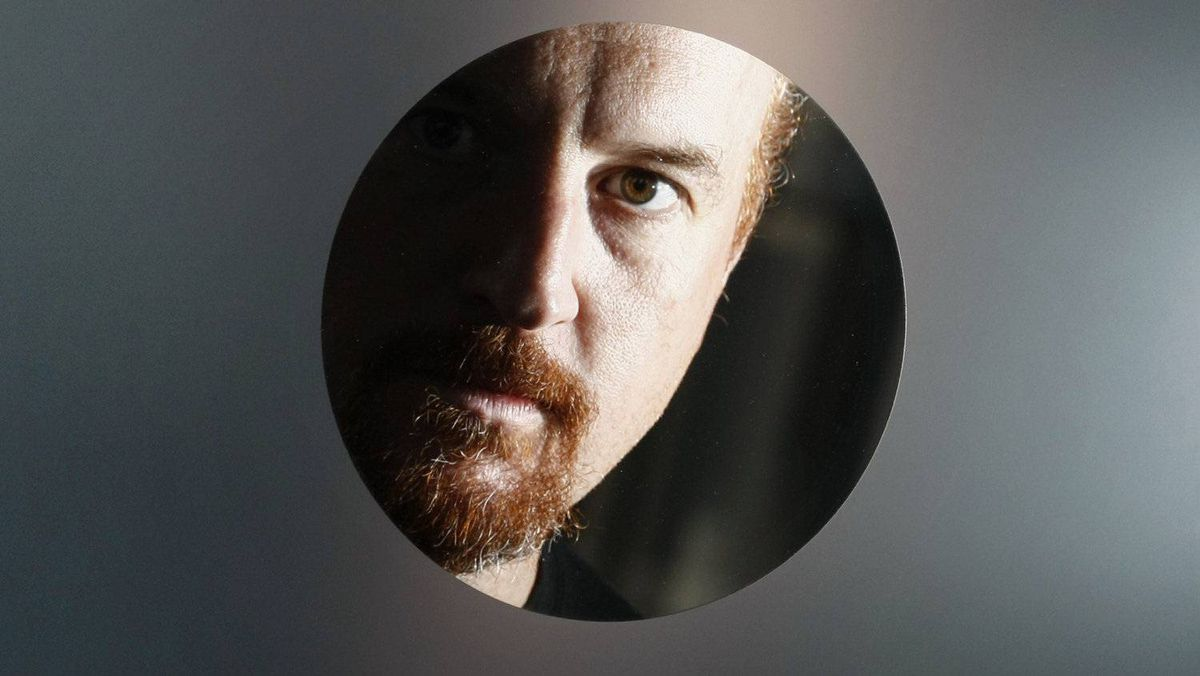 Comedian Louis CK poses in Montreal, July 26, 2009. The successful sale of his comedy special suddenly makes the niche comic the poster boy for selling art directly to fans.