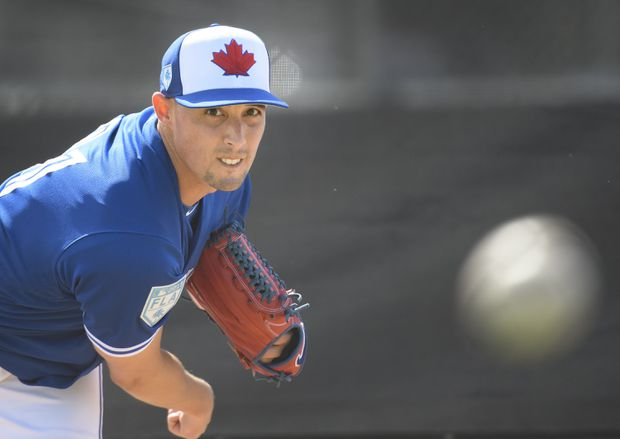 Aaron Sanchez feels back to old self after first bullpen session of spring training
