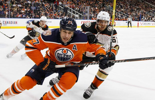 Oilers close to trading Milan Lucic to Flames for James Neal