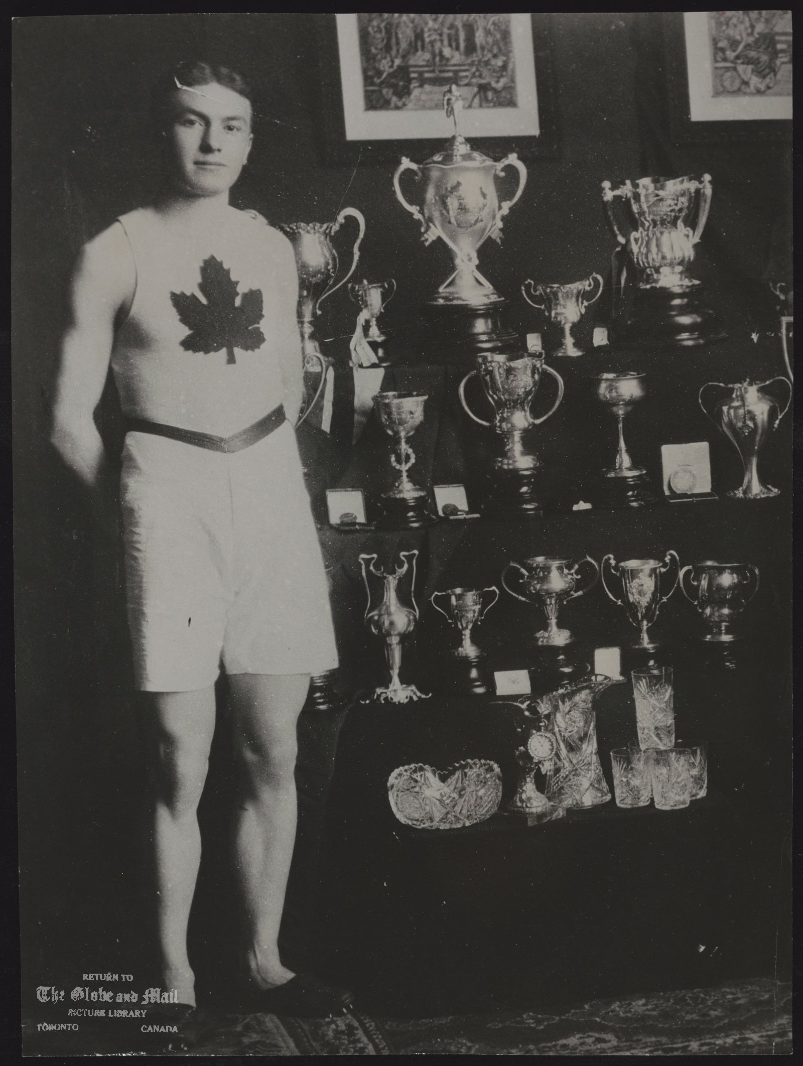 Bobby KERR - circa 1908 photo. Athlete Died May 12, 1963 [Irish Canadian sprinter, he won the gold medal in the 200 metres and the bronze medal in the 100 metres at the 1908 Summer Olympics.