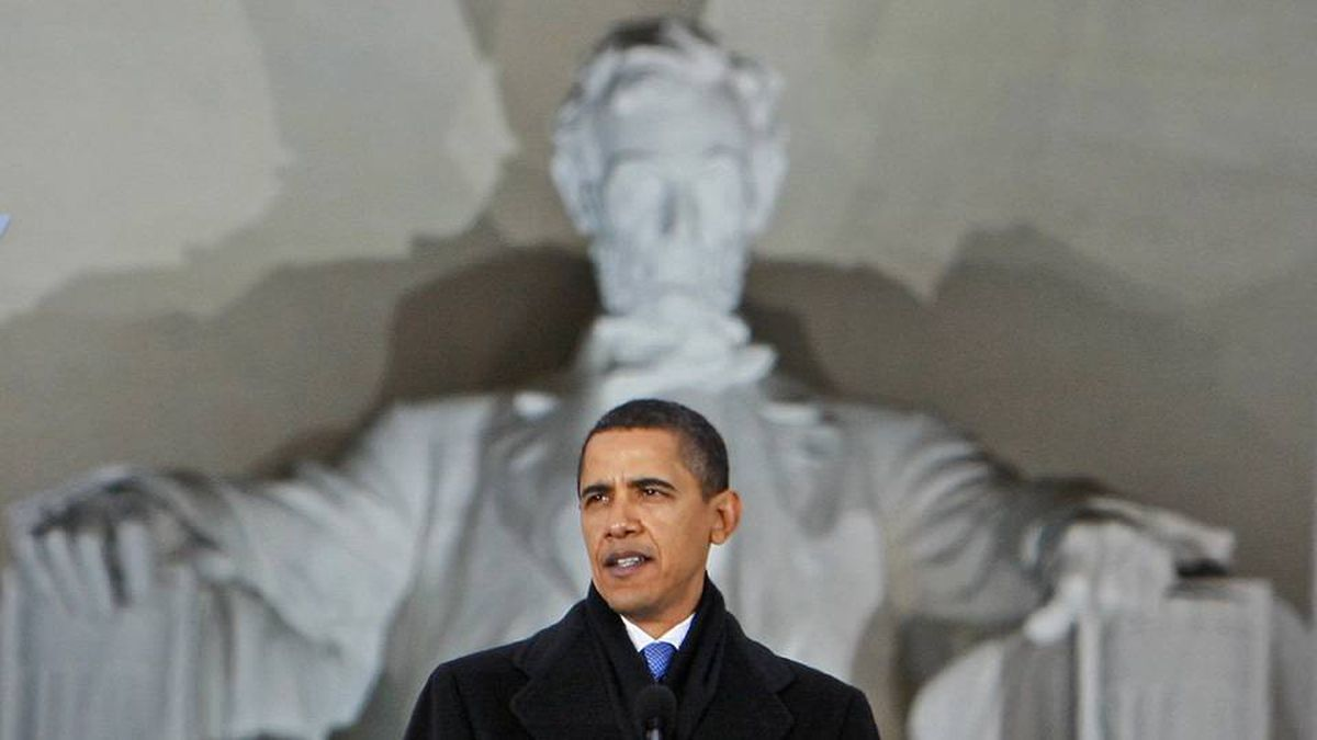 U.S. President-elect Barack Obama at the Lincoln Memorial during an inaugural concert in Washington , Sunday, Jan. 18, 2009.