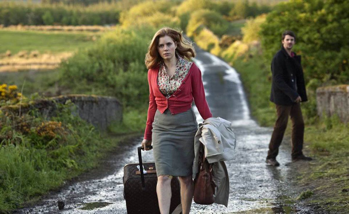Amy Adams as Anna, and Matthew Goode as Declan, trek across the Irish countryside in Leap Year.