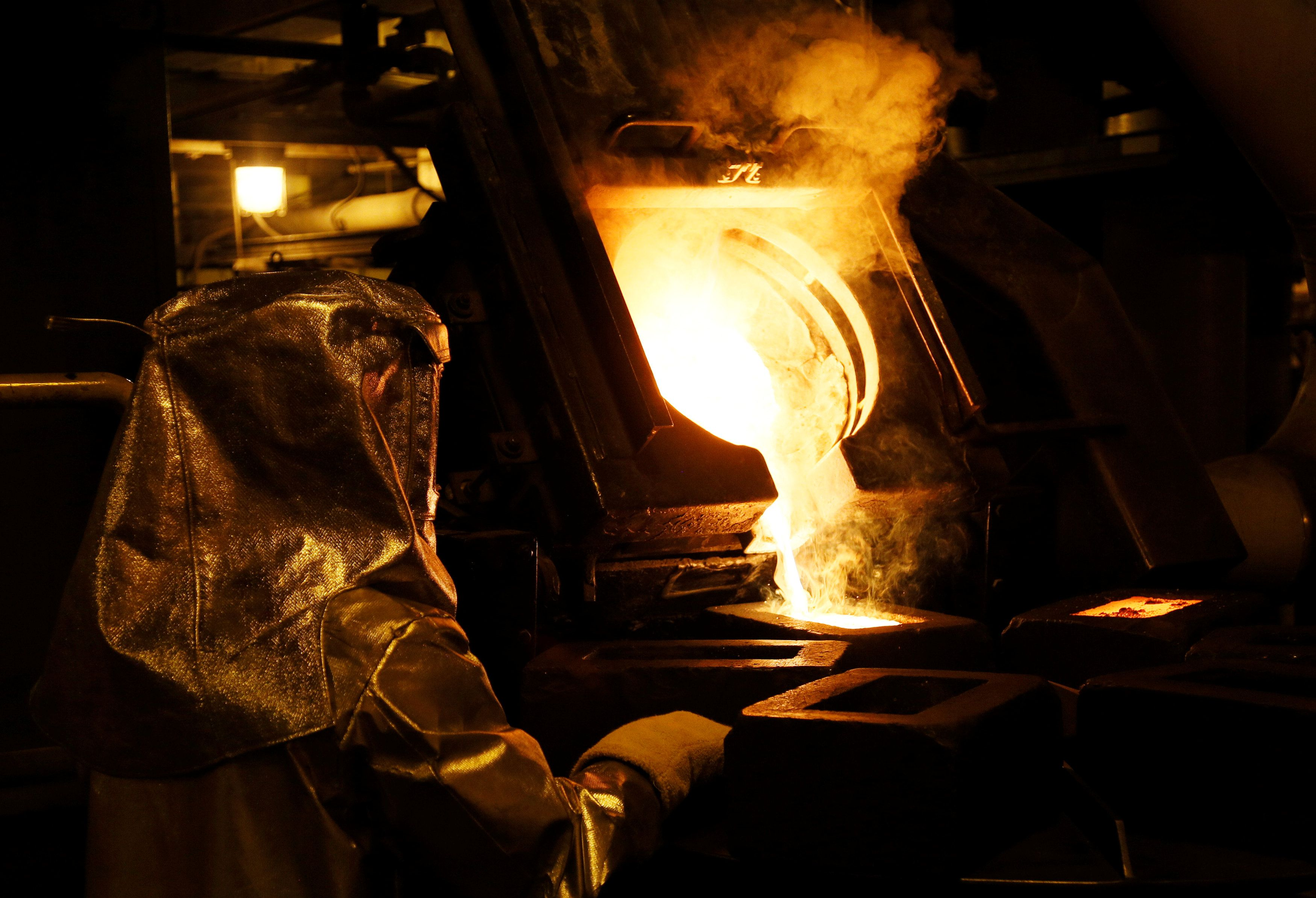 Barrick to shift focus away from free cash flow as first-quarter profit falls