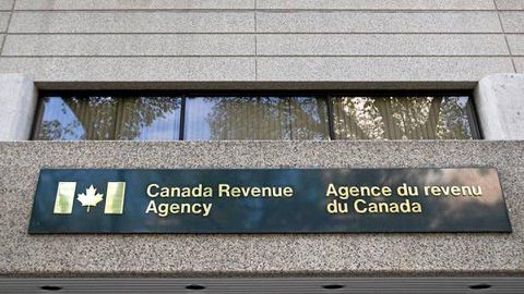 Two former Canada Revenue auditors face charges in tax-evasion scheme