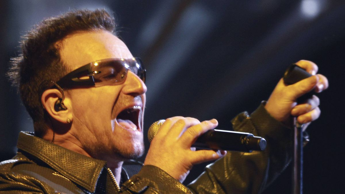 Irish singer Bono performs with his band U2 during their show at Morumbi stadium in Sao Paulo April 9, 2011, as part of their 360 Tour.