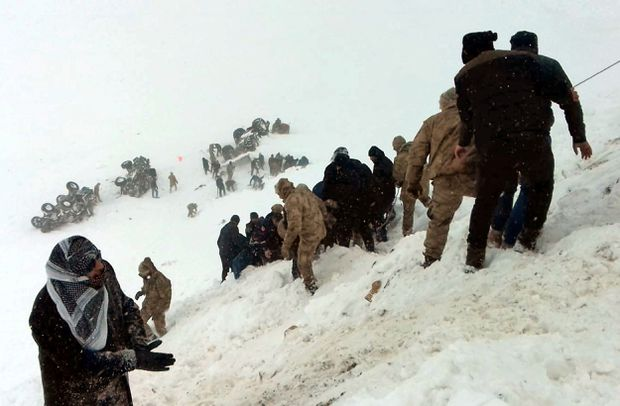 23 rescuers killed by 2nd avalanche in eastern Turkey
