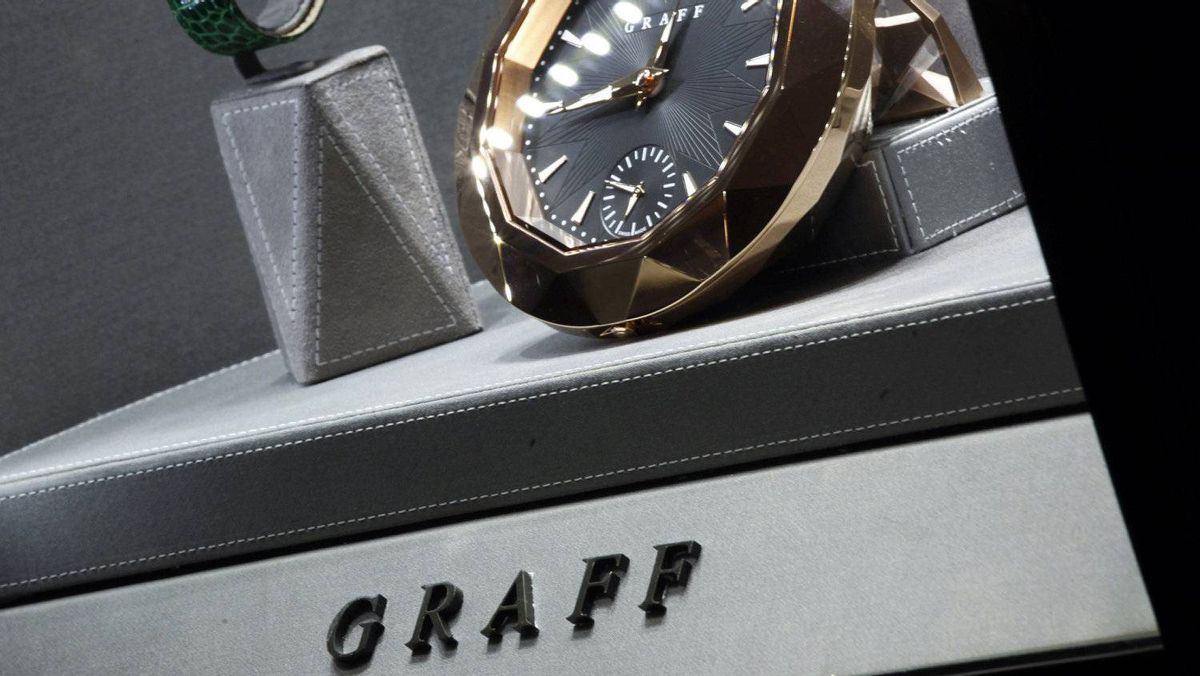 Luxury clocks and watches are displayed inside a Graff Diamonds store at Peninsula Hotel in Hong Kong, in this file picture taken November 22, 2011. High-end jeweller Graff Diamonds is forging ahead with an initial public offering to raise up to $1 billion, setting a price range on May 18, 2012 for its Hong Kong flotation despite a sell-off in equity markets.