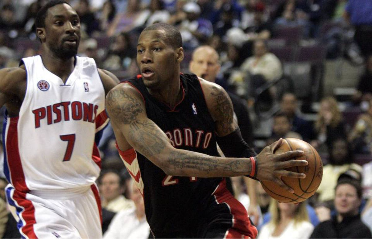 Toronto Raptors guard Sonny Weems, right, drives around Detroit Pistons guard Ben Gordon during the first half of their NBA basketball game in Auburn Hills, Michigan April 12, 2010.