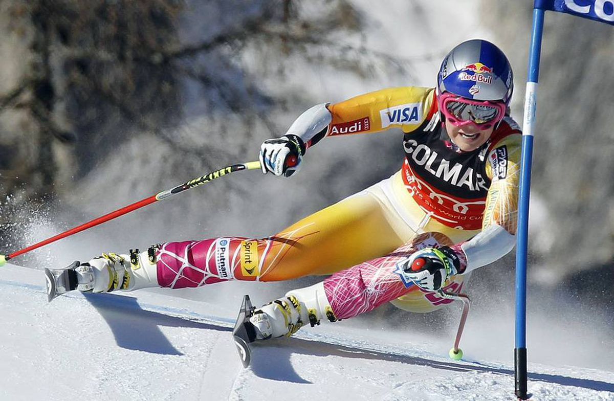 Lindsey Vonn of U.S. speeds down the course to win the ladies' super G Alpine Skiing World Cup event in Cortina D'Ampezzo, Italy on Sunday.