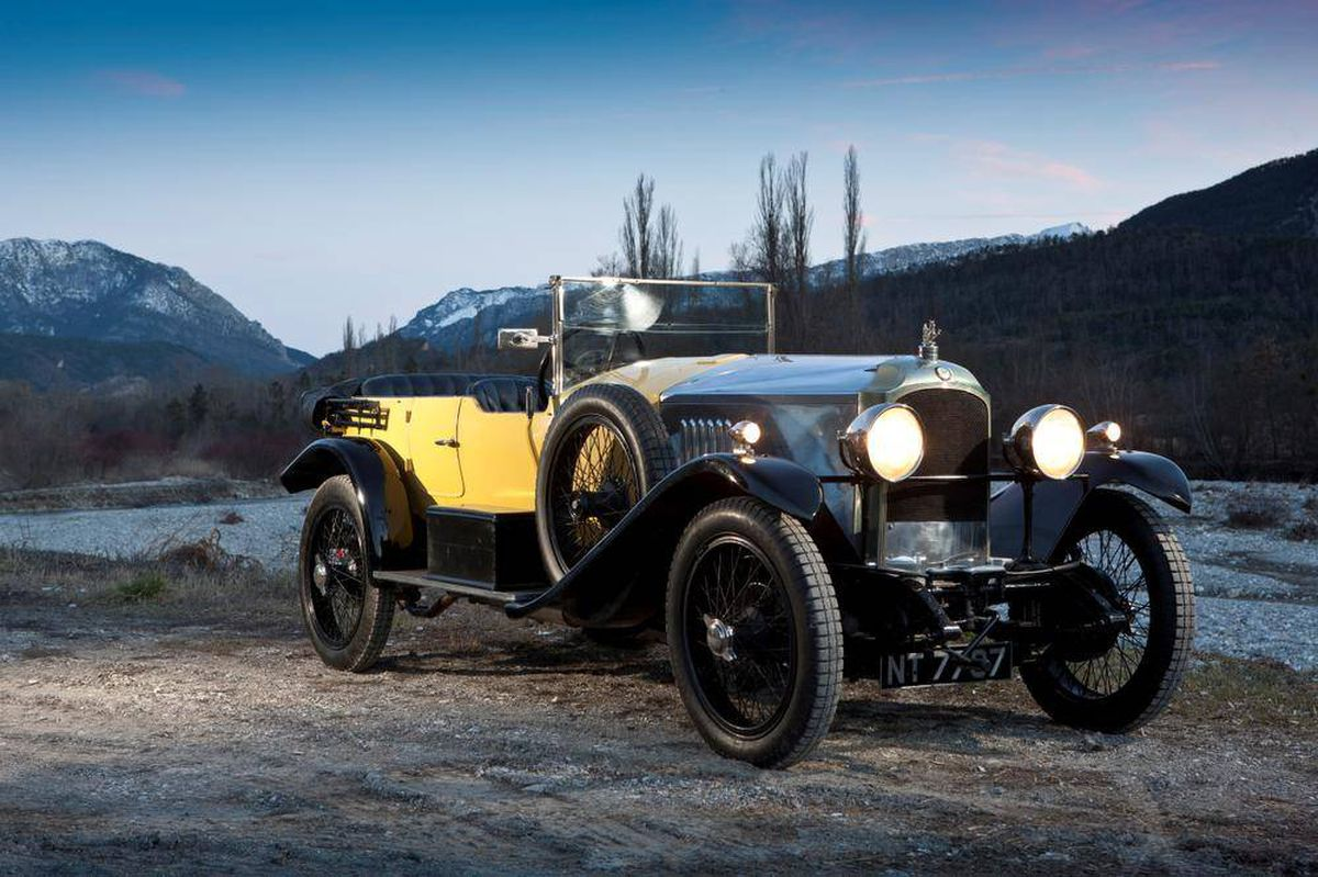 Classic Car Vauxhall Built The First 100 Mph British Sports