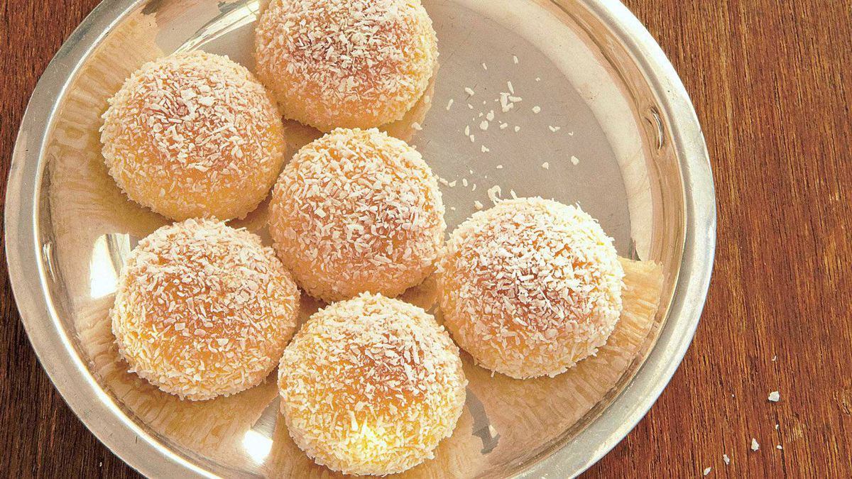Boules de neige from The Art of French Baking.