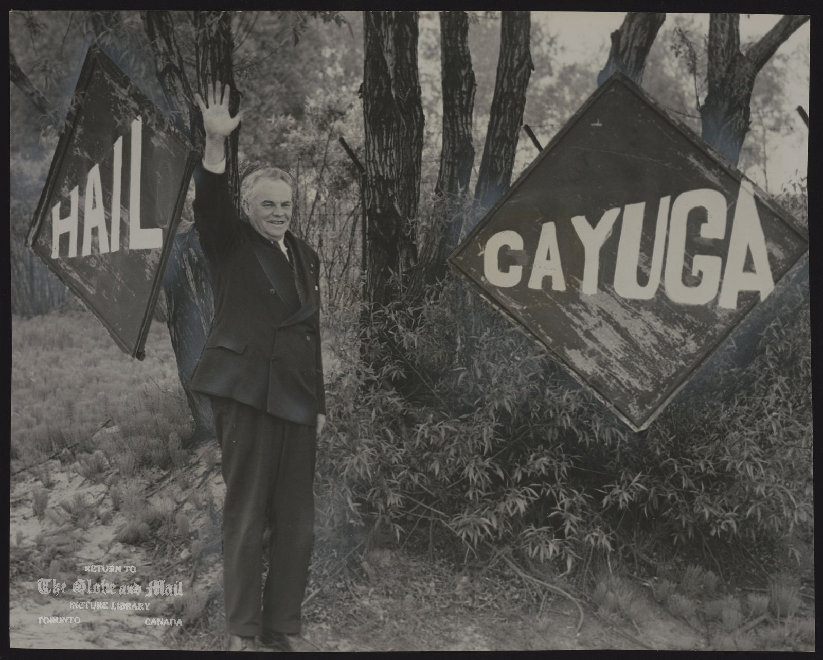 SS CAYUGA STEAMER CAYUGA RETURNS TO SERVICE -- Eastern Gap lighthouse keeper Alf Winslow put up welcome signs for the Cayuga. In 1908 Winslow sold popcorn and peanuts aboard the steamer. He had the lighthouse decked in flage for the event.