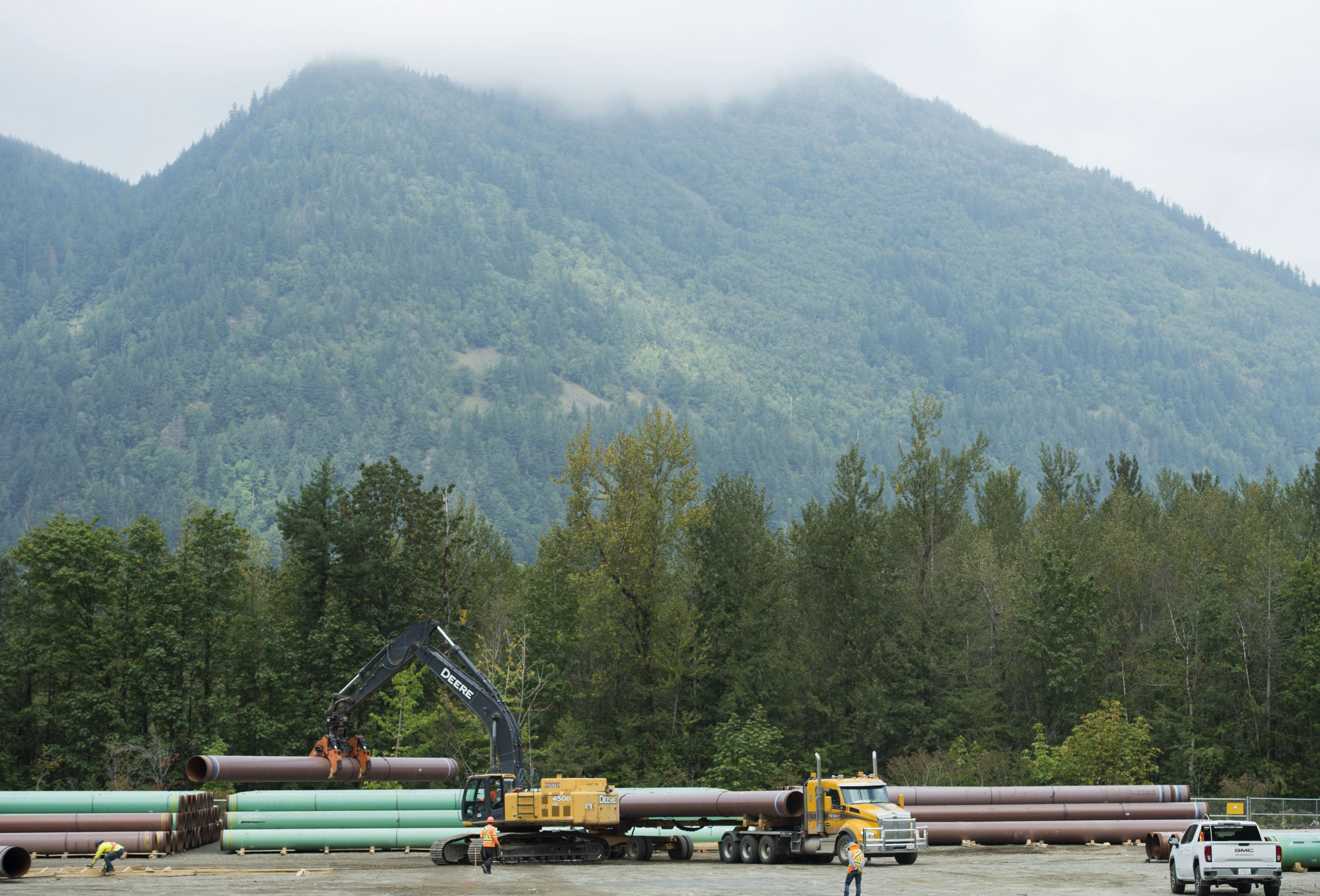 Two B.C. First Nations drop out of court challenge, sign deals with Trans Mountain