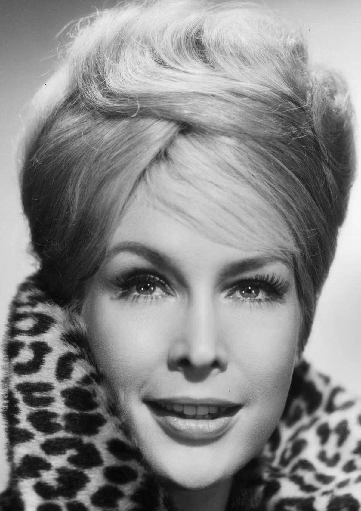 Barbara Eden: Genie with light blonde hair