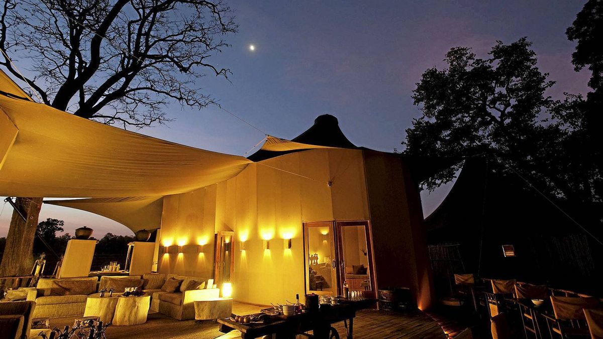 Banjaar Tola, Taj Safari's tented camp is found along the banks of the Banjaar River, directly overlooking the heart of Kanha National Park. Kanha is the inspiration for Rudyar Kipling's Jungle Book.