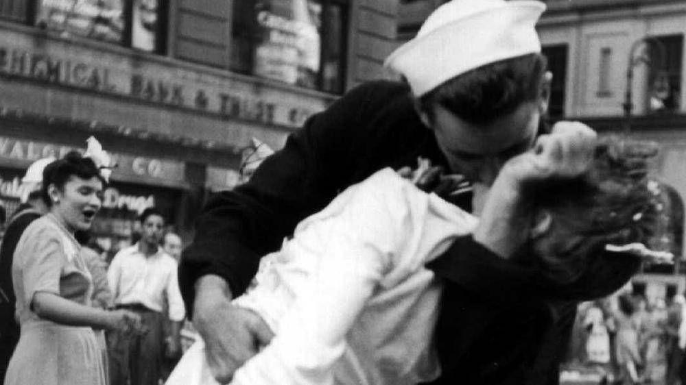 Kissing hard women sam.leonardjoel.com.au you