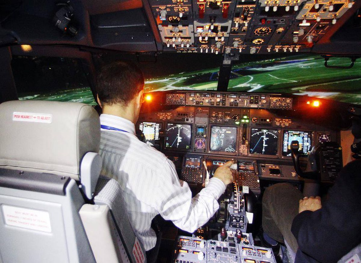 CAE sets record by selling 43 full-flight simulator sales in