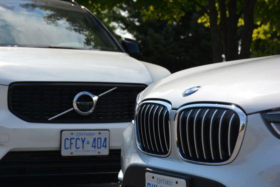 Faceoff: BMW X1 xDrive28i vs  Volvo XC40 R-Design - The