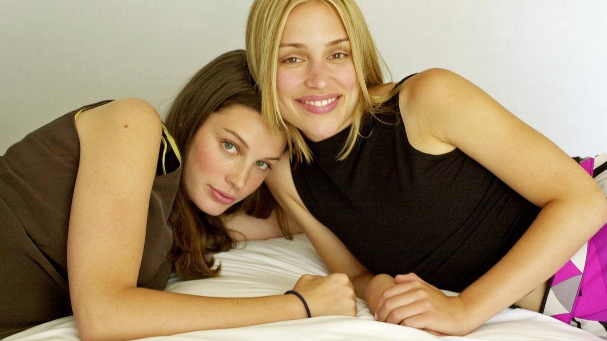 Jessica Pare and Piper Perabo in a portrait by Tibor Kolley, July 12, 2001.