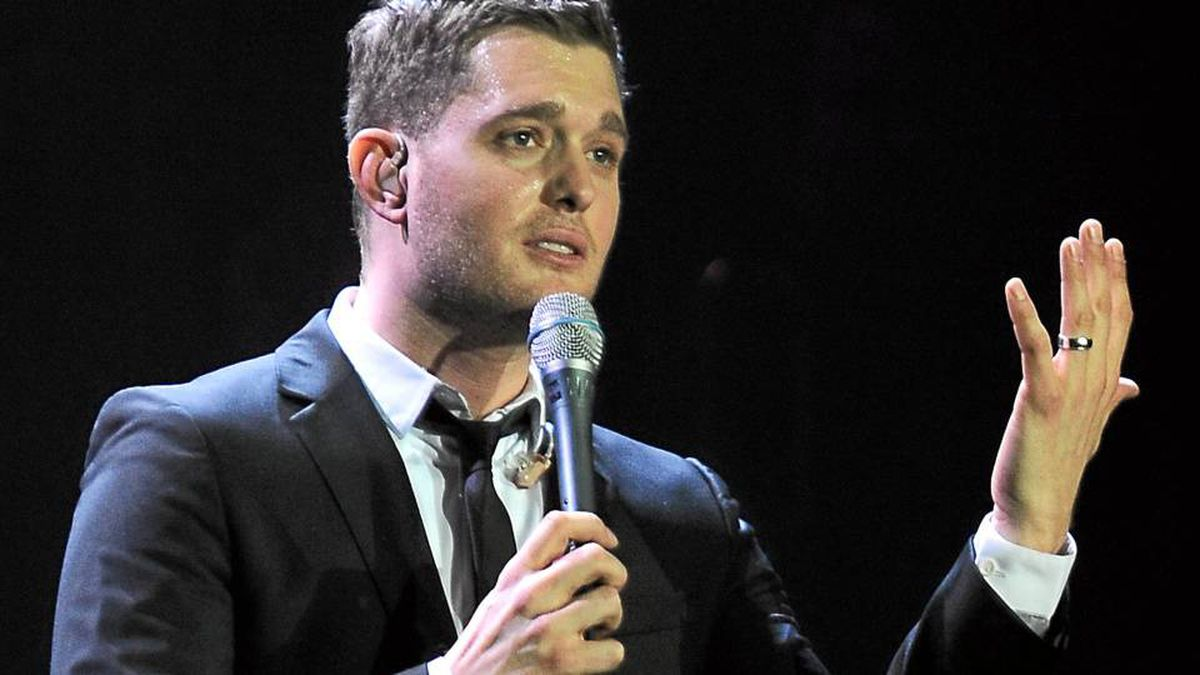 Michael Bublé | Singer, songwriter Mr. Bublé will be watching the game live in Rogers Arena. The crooner has watched almost every game this year, either live or on his computer when he's travelling outside of Canada. Mr. Bublé had a concert scheduled in Connecticut tonight, but moved it to the 16th just to be at the game.
