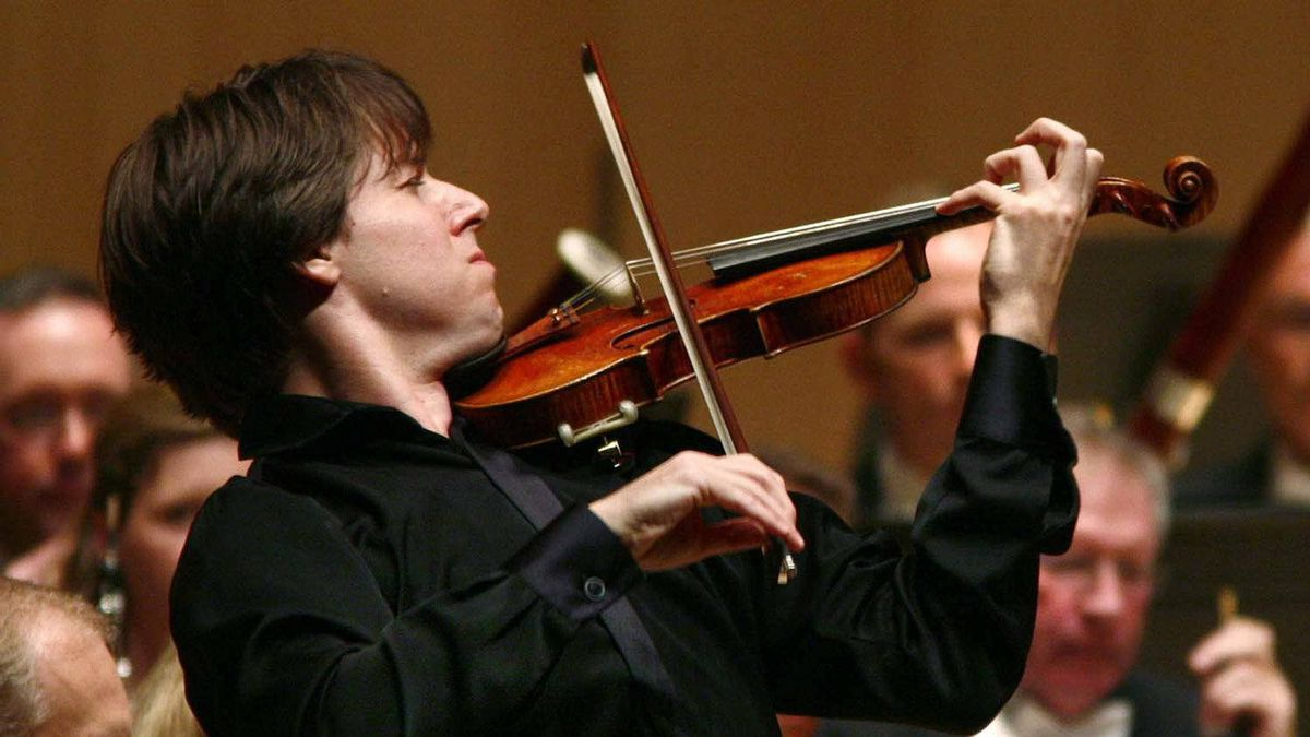 Violinist Joshua Bell in performance