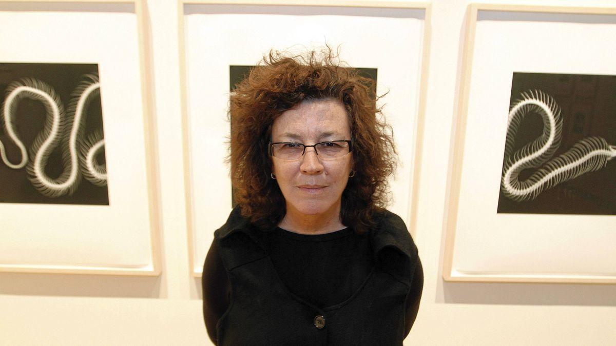 Santa Fe-based Canadian artist Deborah Samuels photographed at the Royal Ontario Museum where she is presenting her exhibit ELEGY displaying pictures taken to skeletons of animals that resulted dead after the BP oil spill in the Gulf Of Mexico.