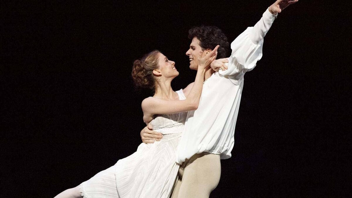 "Elena Lobsanova and Guillaume Cote in ""Romeo and Juliet"""