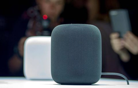 Apple's HomePod won't let you play music across multiple speakers at launch