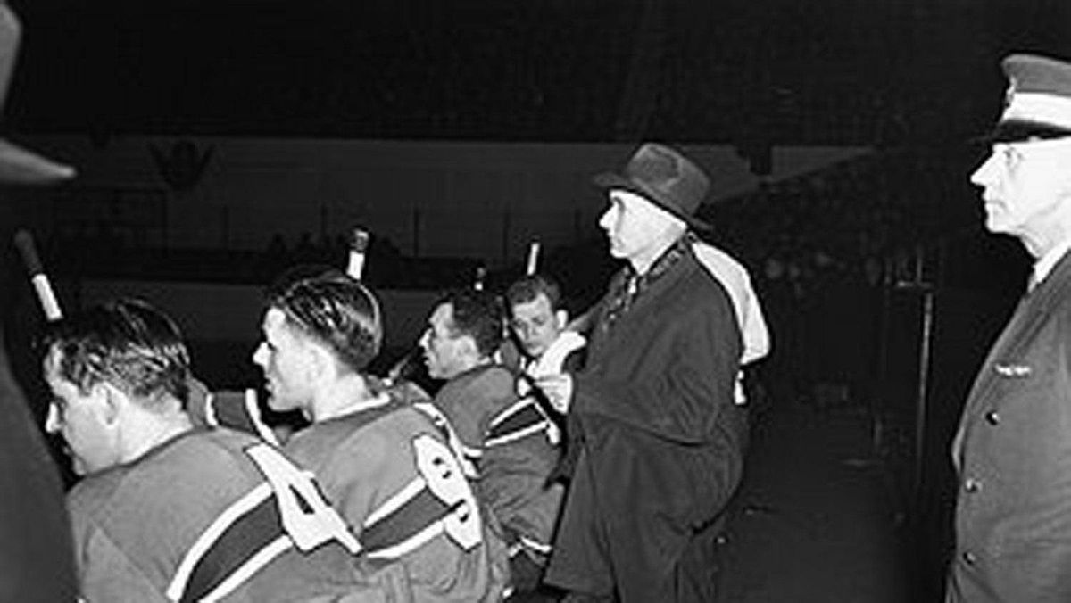 Dick Irvin Sr. coached the Toronto Maple Leafs from 1931-1940