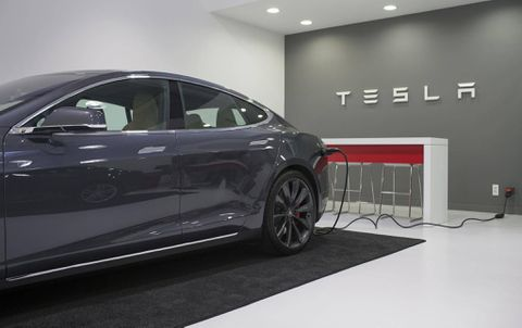Analyst: Tesla may need to start worrying about Apple's car ambitions