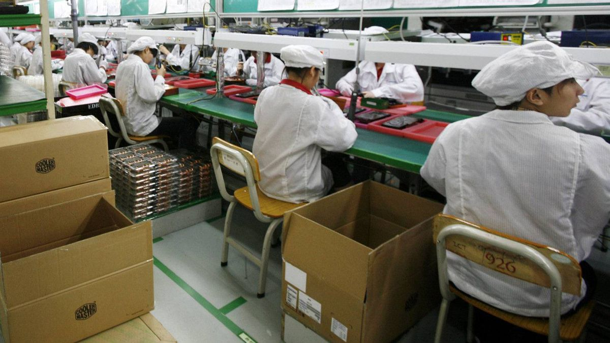 Foxconn, Apple's main global contract manufacturer run by Taiwanese tycoon Terry Gou and employing 1.2 million workers in China, has come under fire in recent years for running massive 'sweatshops' to mass produce high-end iPads and iPhones.
