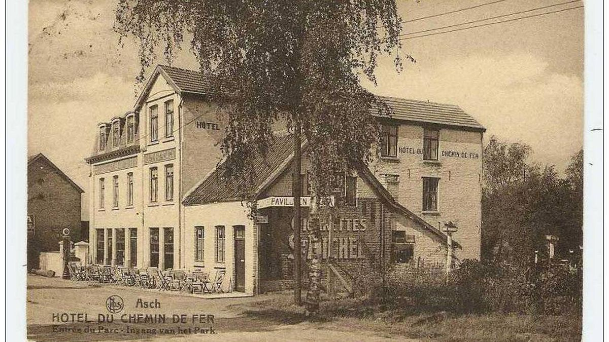 Postcard of the pub where Philip Tripe landed when he was injured by anti-aircraft fire.