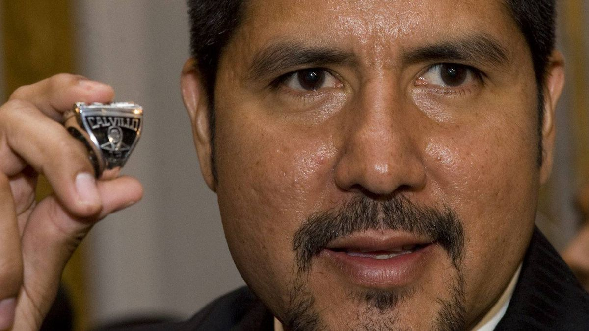 Can Anthony Calvillo and the Montreal Alouettes threepeat as Grey Cup champions? THE CANADIAN PRESS/Graham Hughes