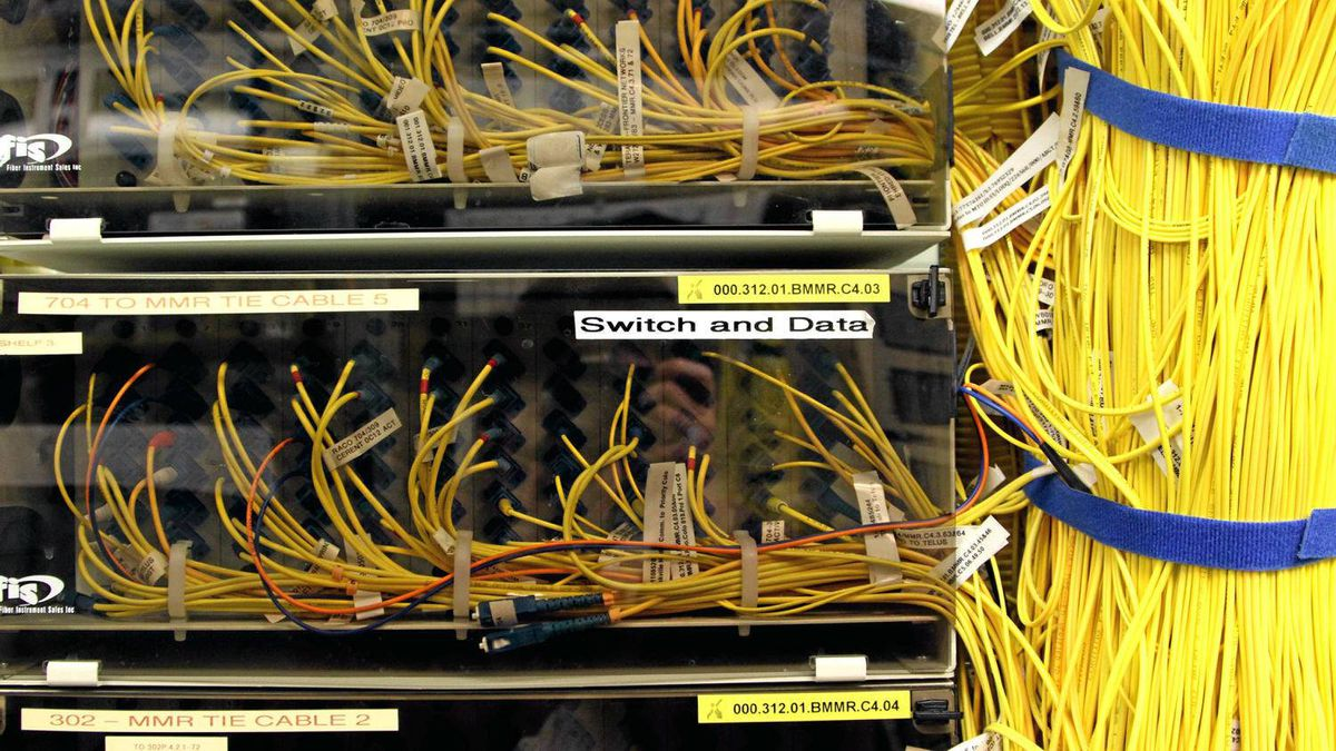 Wires connecting servers