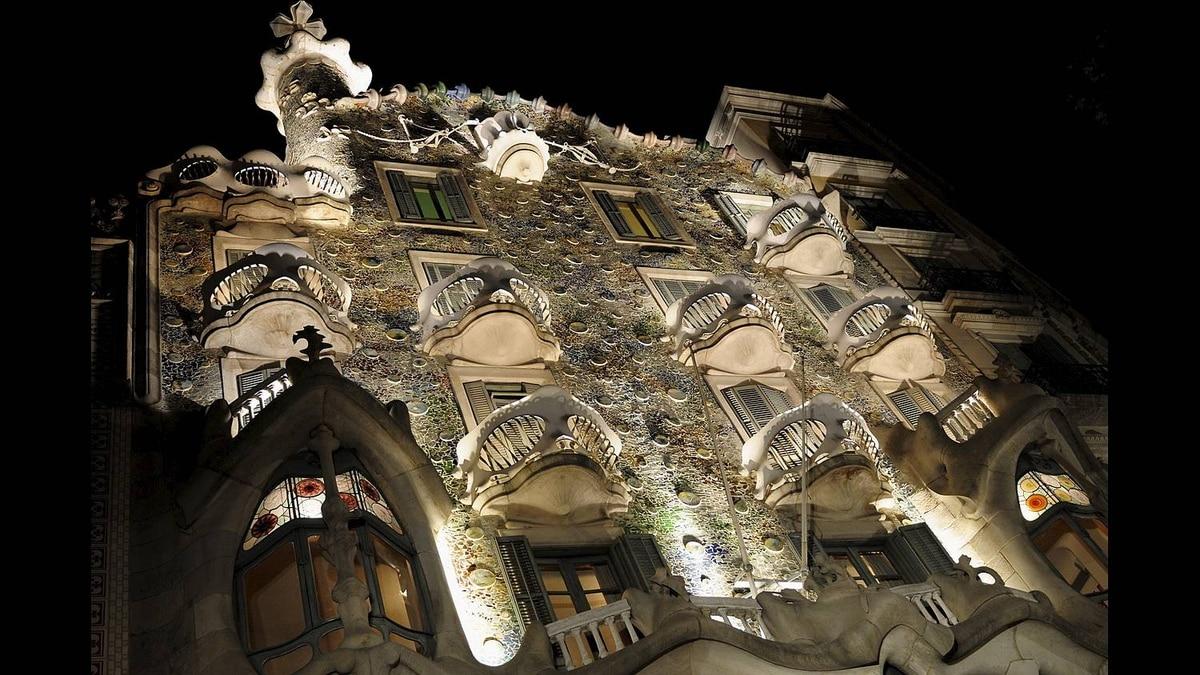 Dan McCann photo: Casa Battlo - Architect - Antoni Gaudi, Photo - October 2010