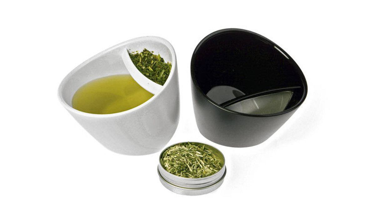 Co-designed by Victoria-based tea master Daniela Cubelic, the ingenious new Magisso TipCup, a pot and vessel in one, is an ideal and unique gift for lovers of loose-leaf brews. $29.90 each through www.silkroadtea.com.