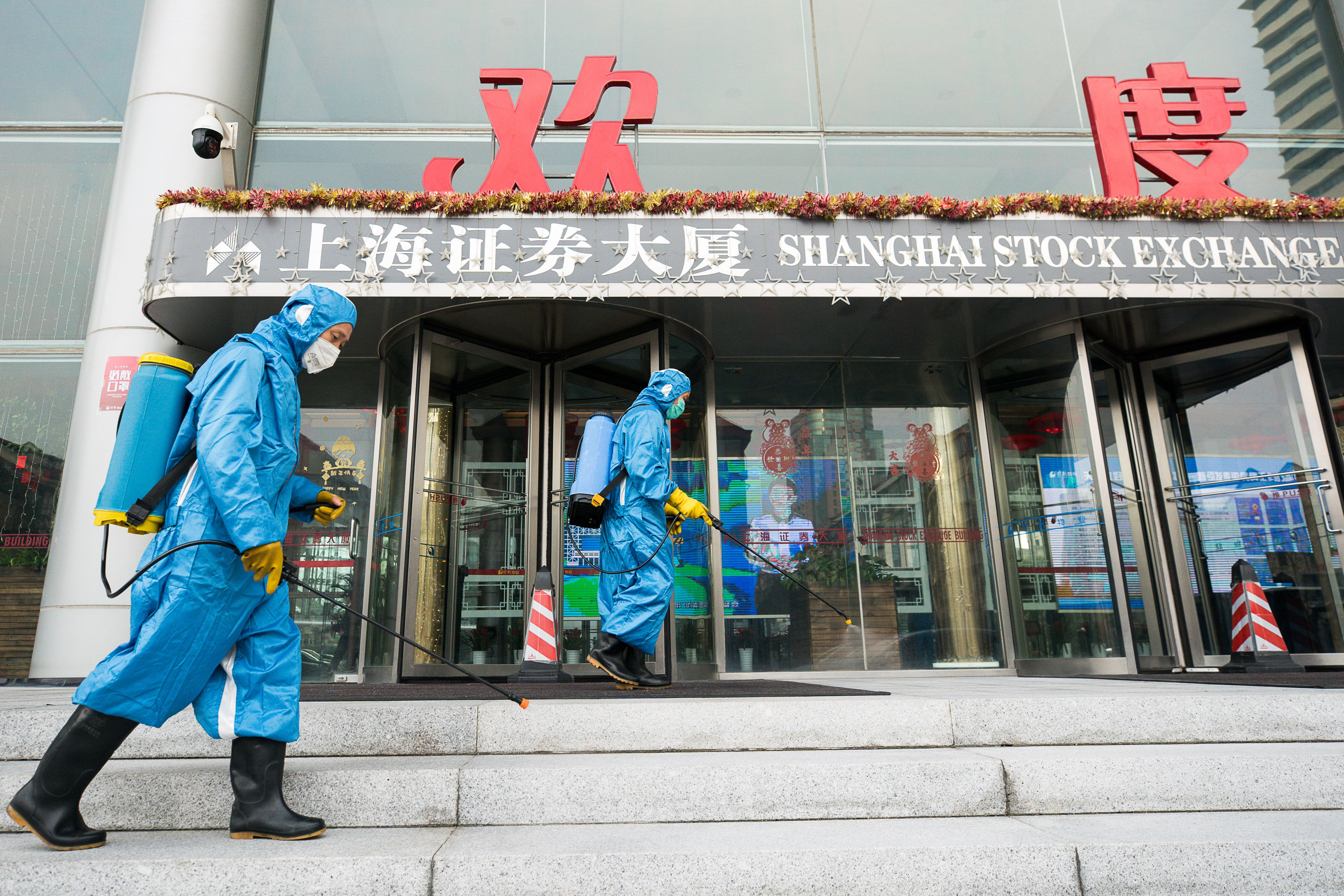 As Chinese Markets Plunge And Virus Continues To Spread Beijing Praises Ottawa For Calm The Globe And Mail