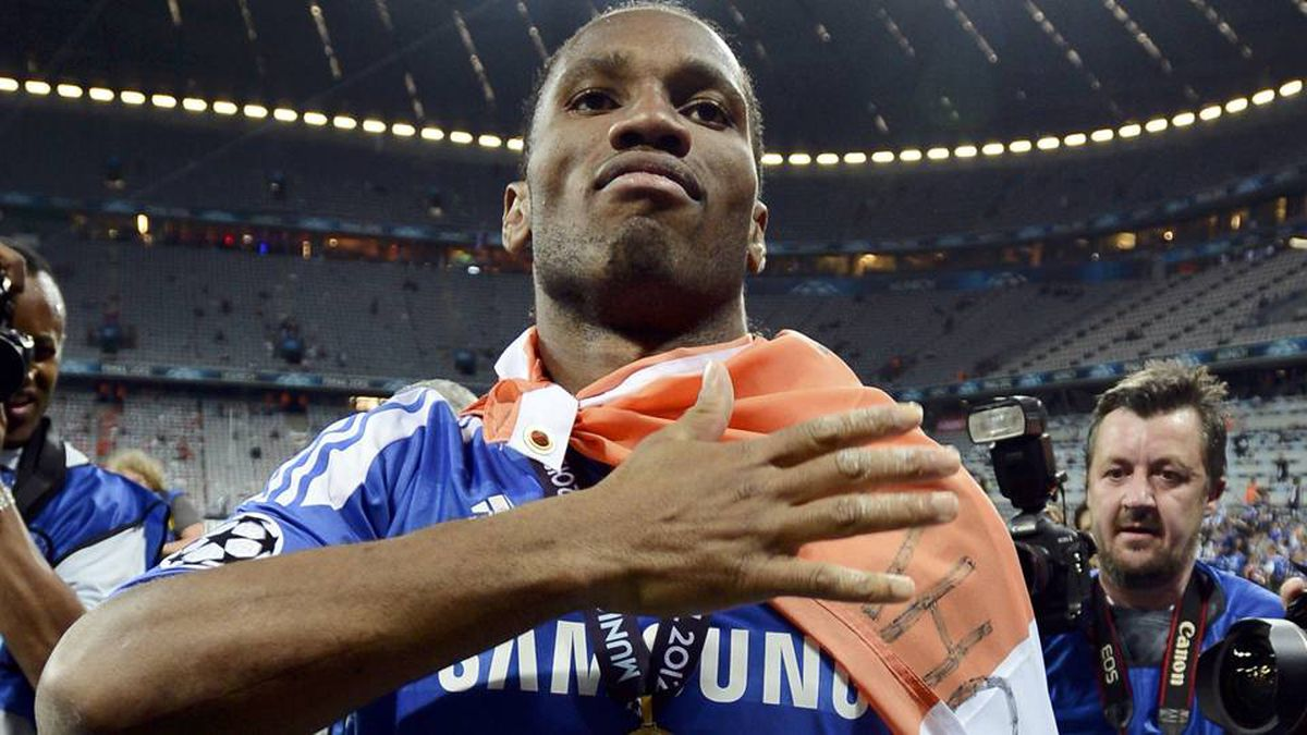 Didier Drogba of Chelsea celebrate after his team's Champions League final soccer match against Bayern Munich at the Allianz Arena in Munich, May 19, 2012.