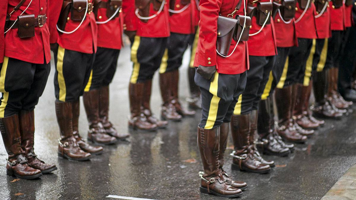 There are now 4,569 people working at RCMP headquarters in Ottawa, more than double the number posted there in 2000