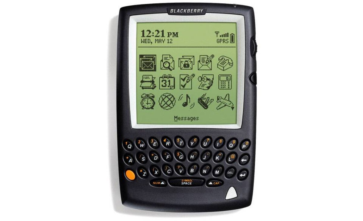 2002 - BlackBerry 5810: Similar to RIM's earlier pagers but it was also the first BlackBerry that was a phone.