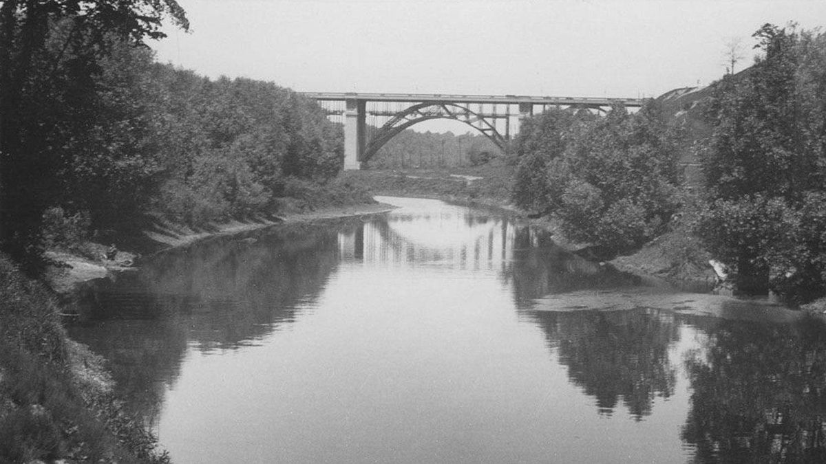 The Don River and Bloor Street Viaduct, sometime before 1940.