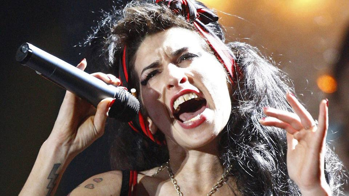 Amy Winehouse performs at the Brit Awards at Earls Court in London February 20, 2008.